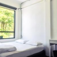 HOLY SHEET Hostel