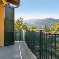 Apartment with 2 bedrooms in Riolunato with wonderful mountain view and furnished balcony 4 km from the slopes, hotel in Riolunato