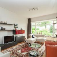Comfortable Holiday Home in Overveen with Terrace, hotel in Overveen