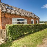 Quaint Holiday Home in Nieuwvliet-Bad near Seabeach