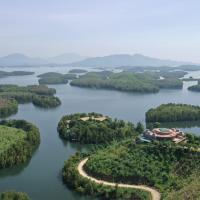 Khu nghỉ dưỡng Làng An Bình, hotel in Yên Bình