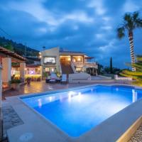 Fully renovated deluxe villa with fantastic views