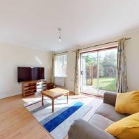 Super 2 bed House wPrivateParking&PrivateGarden