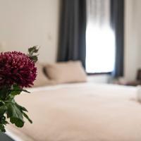 New Crown Hotel Motel, hotel em Hay