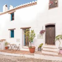 Beautiful home in Frigiliana with WiFi and 2 Bedrooms, hotel en Acebuchal