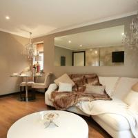 Pearl Cottage Leeds- detached two bed cottage, large private gardens inc FREE CosySpa hot tub