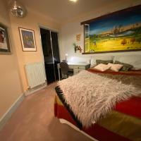 Stylish Arty 1-Bed Studio in Cambridge