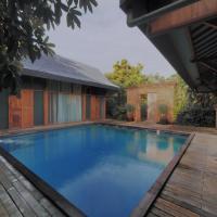 Ayom Java Village Solo, hotel near Adisumarmo Airport - SOC, Solo