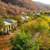 Beyond Stay Jungle Camp Sariska, hotel in Tehla
