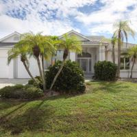 Rent Your Own Exclusive Villa with Large Private Pool on Charlotte Harbor, Charlotte County Villa 1009, Hotel in der Nähe vom Flughafen Charlotte County - PGD, Punta Gorda