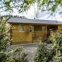 Fern Lodge - 2 Bedroom Log Cabin - Saint Florence - Tenby