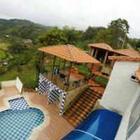 Cabaña privada con piscina y wifi en el área metropolitana de Bucaramanga, hotel en Piedecuesta