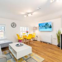 "Town Center Apartment with 55"" Smart TV+Netflix"