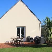 Maison récente, deux chambres, à 10 minutes en voiture des plages, hôtel à Moëlan-sur-Mer