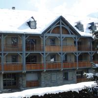 Lagrange Vacances Le Clos Saint Hilaire, hotel in Saint-Lary-Soulan