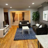 Two Story Townhouse in NYC, 4Br 2Bath 6Beds.