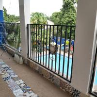 Camara Gardens Apartments with pool, hotel in Brufut