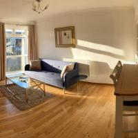Homely 2 Bedroom Apartment - Newcastle, Free Parking