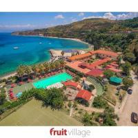 FRUIT VILLAGE Briatico Baia delle Sirene, hotel in Briatico