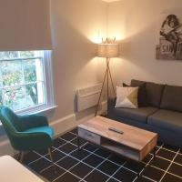 Charming Luxe 1 Bedroom Apartment, Cowley