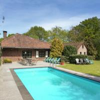 Magnificent Farmhouse in Sint JoostLimburg with terrace and private garden with barbecue, hotel in Sint Joost