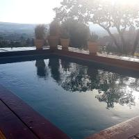 la Vigie Gite panoramique avec piscine, hotel in Saint-Jean-de-Fos