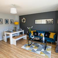 Broughton House with Free Parking, Garden & Smart TV with Netflix by Yoko Property