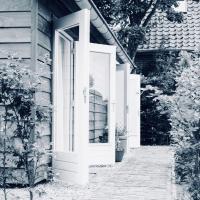 Huisje aan 't Hof, hotel in Bronkhorst