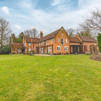 CHARACTER FARMHOUSE - PERFECT FOR RURAL FAMILY GETAWAYS!, hotel in Chalfont Saint Giles