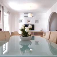 Large apartment close to rocky beach MCRE1-1
