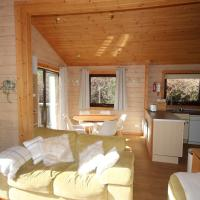 Hartland Hideaway Lodge