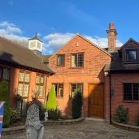 Coach House in the heart of Sherwood Forest!