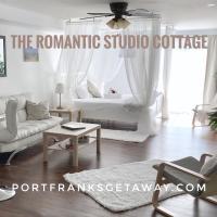 Romantic Studio Cottage, Hotel in Lambton Shores