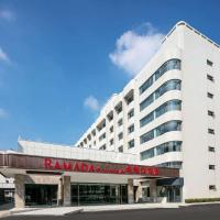 Ramada by Wyndham Yangzhou Slender West Lake, hotel in Yangzhou