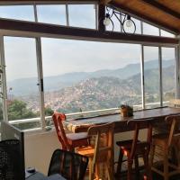 Sweet Tourist Home, hotel in Medellín