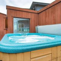 Abalone Alcove! Hot Tub! Pool Table! AMAZING VIEWS! Fast WiFi!! Dog Friendly!, hotel in Dillon Beach