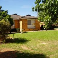 HENDERSONS HOUSES - Parkside Cottage, hotel em Wagga Wagga