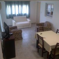 Departamento en 1er piso, con balcón y asador.