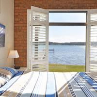 The Studio on the Lake @ Fishing Point, Lake Macquarie - honestly put the line in and catch fish, hotel em Fishing Point