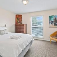 Comfortable Plaza 1BR with Free Parking by Zencity