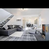STUNNING REFURBISHED HOUSE close to town and Ben Nevis