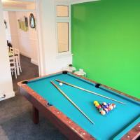 Homely & Spacious House with Parking & Pool Table Contractor Hotspot