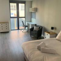 Bright and Beautiful Central Nottingham Studio