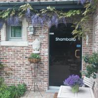 Shamballa logies, hotel in Deinze