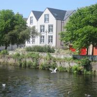 Luxury Riverbank Apartment, Nairn
