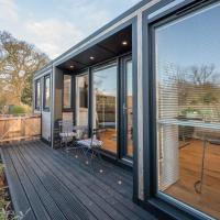 Meadow View Brand New Luxury Pod Near Woodbridge