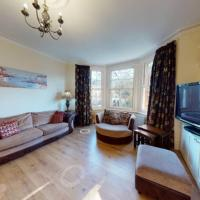 Superb 4 bed flat wgarden - 1 min to Queen's Park
