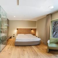Weiherhof Appartements, hotel Wadernben