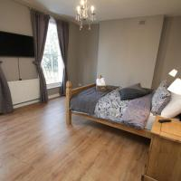 Amazing newly refurbished rooms close to the station