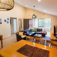 Holiday Home in the Heart of Anglesea, hotel in Anglesea
